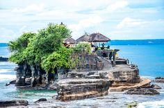 Le temple Tanah Lot à Bali