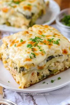This delicious chicken lasagna recipe is one of my goto comfort foods We love enjoying it any time of year! spendwithpennies chickenlasagna lasagna easylasagna cheesylasagna homemadelasagna c is part of Chicken lasagna recipe - White Chicken Lasagna, Chicken Alfredo Lasagna, Chicken Spinach Lasagna, White Sauce Lasagna, Vegetable Lasagna Recipes, Cooked Chicken, Chicken Lasagna Recipes, Lasagna With Cottage Cheese, Greek Lasagna
