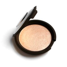 The inspiration behind the Limited Edition Champagne Pop shade: a year-round summertime glow for all skin tones.
