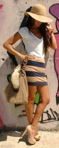 white v-neck tee, grey/tan striped mini, nude pumps, floppy hat, large bag....love!