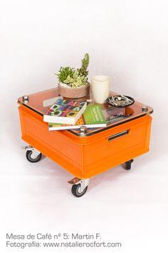 Industrial plastic crate / inox bolts / glass / wheels Jaba industrial plástica / pernos Acero inox. / vidrio / garruchas