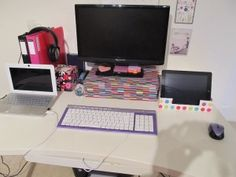 Unusual mixture of tech & pink in @asc_networking's #homeoffice - Love the pink:)