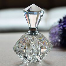 Hot Sale Women Perfume Bottle Clear Perfume Container Luxurious Ladies Perfume Decoration Transparent Polygon Fragrance Bottle Vintage Gift For Lady Crystal Perfume Bottles, Antique Perfume Bottles, Vintage Bottles, Glass Bottles, Refillable Perfume Bottle, Perfumes Vintage, Beautiful Perfume, Bottle Art, Oil Bottle