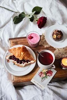 Love Is Sweet, Chocolate Fondue, Desserts, Food, Mint, Raspberries, Valentines, Food Food, Tailgate Desserts