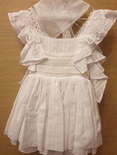 Βαπτιστικο φόρεμα με βολάν και κέντημα Girls Dresses, Flower Girl Dresses, Wedding Dresses, Fashion, Moda, Dresses For Girls, Bridal Dresses, Alon Livne Wedding Dresses, Fashion Styles