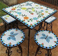 Design Ideas for Mosaic Furniture ArtThis mosaic art outdoor sofa is adorned with colorful and beautiful patterns. Mosaic Tray, Mosaic Tile Art, Mosaic Crafts, Mosaic Projects, Mosaic Glass, Stained Glass Patterns, Mosaic Patterns, Mosaic Outdoor Table, Eggshell Mosaic