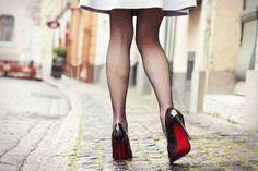 Red soles....a woman's first love!  #redsoles #shoelove #stilorow www.stilorow.com