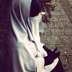 Niqab Muslim Brides, Muslim Girls, Muslim Couples, Muslim Women, Hijab Niqab, Mode Hijab, Hijab Outfit, Niqab Fashion, Islamic Fashion