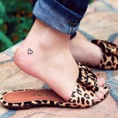 51 süße Herz Tattoo-Designs für Frauen, 51 cute heart tattoo designs for women, Heart Tattoo Ankle, Small Heart Tattoos, Ankle Tattoo Small, Heart Tattoo Designs, Small Foot Tattoos, Design Tattoos, Little Tattoos, Mini Tattoos, Trendy Tattoos