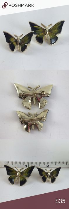 Vintage butterfly pin set Vintage, EUC. Set of two, one large and one small. Vintage Jewelry Brooches