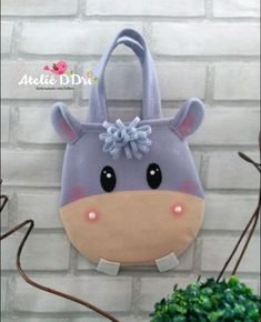 Crossfit workout from the garage Sewing Crafts, Sewing Projects, Cartoon Bag, Animal Bag, Diy Bags Purses, Animal Crafts For Kids, Felt Patterns, Felt Toys, Kids Bags