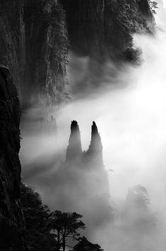 Photographer Wang Wusheng's 'Celestial Realm' Entrances At Barry Friedman Ltd. (PHOTOS)