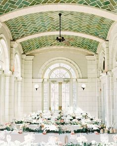 This Brooklyn wedding at the Prospect Park Boathouse is the perfect combination…