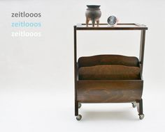 Rolling Newspaper Stand Table Art Deco Walnut von zeitlooos auf Etsy