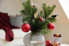Handgefertigte Kerzen aus Biobienenwachs. Hergestellt in Österreich. Ein natürlicher Duft der jedes Zuhause gemütlich macht. Ein schönes Gastgeschenk oder Weihnachtsgeschenk. Handmade candles from organic beeswax. Made in Austria. A natural scent that makes every home cosy. A nice guest gift or Christmas present. #hyggehome #christmas #hyggezuhause #weihnachten #weihnachtsgeschenk Hygge, Christmas Wreaths, Thanksgiving, Holiday Decor, Home Decor, Handmade Candles, Dekoration, Gifts For Women, Guest Gifts