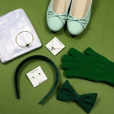Gift ideas in shades of green.
