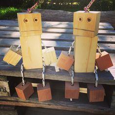 """Joseph on Instagram: """"Marchen dos robots de bloques de madera... uno para casa y uno para el cumple de mañana.. 🤫a los que conocen a la cumpleañera 🤫…"""" Blog, Carpenter, Instagram, Home, Wooden Blocks, Meet, Pens"""