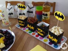 Batman& birthday - the whole story - Batman Geburtstag Lego Batman Party, Batman Birthday, Superhero Party, Diy Birthday, Happy Birthday, Halloween Bunco, Halloween Games For Kids, Bunco Party, Cakes For Boys