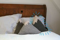 Free Crocheted Mountain Pillow