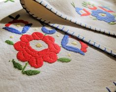 Embroidered cotton placemat  | lapety.com