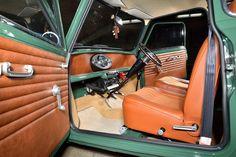 Mini Cooper Classic, Classic Mini, Classic Cars, Mini Cooper Clubman, Mini Coopers, Fancy Cars, Cool Cars, Mini Cooper Interior, Car Upholstery