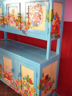 OMG this oilcloth covered cabinet!   This is ssssssoooooo awesome!
