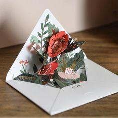 Pop-Up Card - Floral Envelope Pop Up Art, Arte Pop Up, Instruções Origami, Origami Cards, Pop Up Flower Cards, Diy And Crafts, Paper Crafts, Envelope Art, Paper Artwork