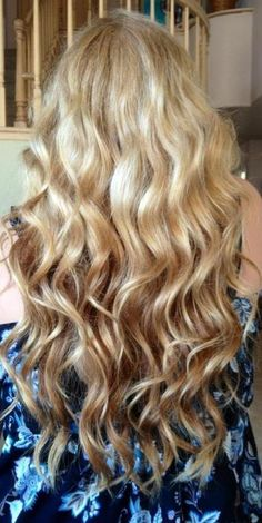 reverse ombre. I wish my hair was longer so I could do this