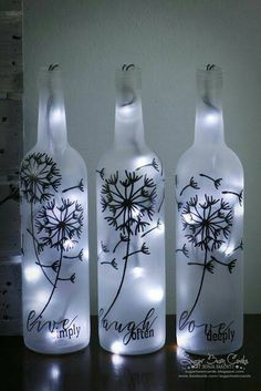 Muchas veces tenemos en casa botellas de vino y las tiramos a la basura por no saber que hacer con ellas. Lo cierto es que se pueden hacer m...