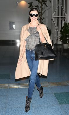 Celebrities Looking Stylishly Fly at the Airport: Miranda Kerr