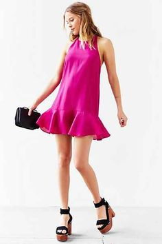 Flirty sundress + chunky heels.