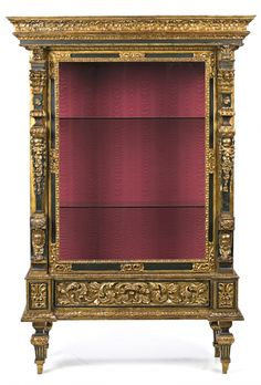 Vitrina española en madera tallada, dorada y policromada, elaborada con elementos de retablo del siglo XVIII en el primer tercio del siglo XX
