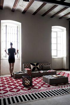 Gan invita a crear espacios personales con su nueva colección de alfombras, pufs y cojines. | diariodesign.com