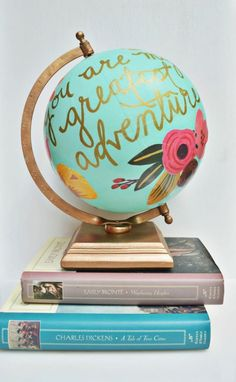 Anthropologie DIY Hacks, Clothes, Sewing Projects and Jewelry Fashion - Pillows, Bedding and Curtains - Tables and furniture - Mugs and Kitchen Decorations - DIY Room Decor and Cool Ideas for the Home | Floral Quote Globe | diyprojectsfortee...
