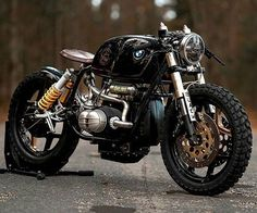 Check out ❗@bikersequipment ❗ Taken from:  @ukichinasky  Tag our page  #caferacer_world  #caferacer #vintagebike #vintagemotorcycle #caferacerdreams #caferacers #caferacercustom #oldmotorcycle #vintagesportsbike #sportsbike #caferacerofinstagram #caferacerergram #caferacerlife #biker #motorcycle #biker #bikerlife