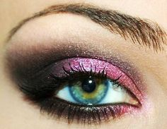 Pretty pink and dark purple smokey eye.