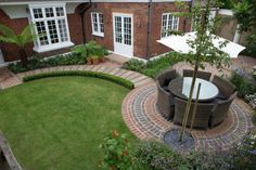 This is totally the feel I want in my garden!!! Chiswick Garden Builders - Belderbos Landscapes