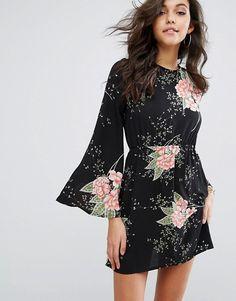 PrettyLittleThing Fluted Sleeve Floral Smock Dress