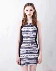 FOREIGN LABEL FACTOR ABSTRACT DRESS  RP 210.000  FREE SIZE
