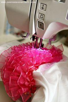 Sewing Baby Girl Ruffle Butt Onesie Tutorial - Ruffled Butt Onesie Tutorial - a great onesie tutorial for any baby. Baby Sewing Projects, Sewing For Kids, Sewing Hacks, Sewing Tutorials, Sewing Crafts, Sewing Patterns, Dress Patterns, Sewing Ideas, Free Sewing