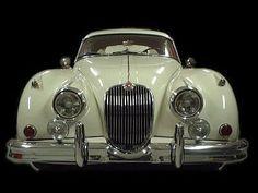 Jaguar Fixed head coupe. This is pure class. British Sports Cars, Classic Sports Cars, Best Classic Cars, Retro Cars, Vintage Cars, Antique Cars, Convertible, Automobile, Jaguar Xk120