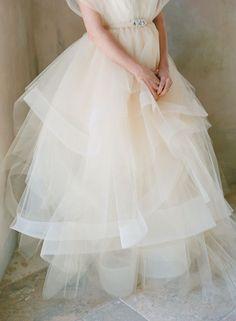 ふわふわチュールとオーガンジーのドレスの虜♡『chaviano couture』のドレスが可愛すぎて辛い!にて紹介している画像