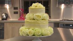 White chocolate wedding cake recipe - BBC Food White Chocolate Wedding Cake Recipe, Chocolate Icing Recipes, Chocolate Ganache Cake, White Chocolate Buttercream, British Wedding Cakes, White Wedding Cakes, Cream Wedding, Cake Pillars, Cake Recipes Bbc