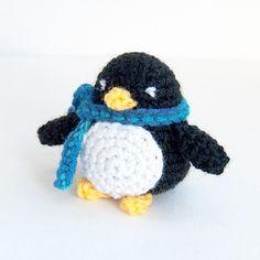 The Itsy Bitsy Spider Crochet: Little Penguin Amigurumi Single Crochet Decrease, Half Double Crochet, Crochet Patterns Amigurumi, Crochet Hooks, Crochet Penguin, Crochet Baby, Penguin Animals, Itsy Bitsy Spider, Stuffed Animal Patterns