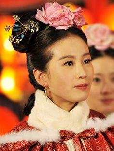 刘诗诗 Liu Shi Shi in the popular ancient Chinese TV drama series 步步驚心 (Bu Bu Jin Xin). English title: Scarlet Heart.