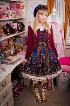 Milkyfawn - A lolita blog.  All these girls look so elegant and pretty. It's a crying shame that where I live, I would only scare people away with this kind of stuff. I just wanna be pretty. ~forlorn sigh~