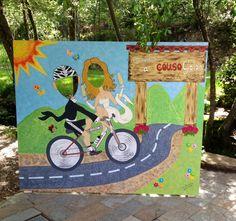 Photocall pintado a mano imitando la entrada a la aldea #cousogalan