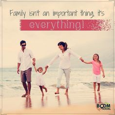 FAMILY via @kimgarst  Dont get so bust you forget the important things!  http://ift.tt/1H6hyQe  Facebook/smpsocialmediamarketing  Twitter @smpsocialmedia