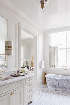 In case you haven't seen a marble free standing bath tub! STUNNING By Collins Interiors Dream Bathrooms, Beautiful Bathrooms, Bathtub Makeover, Stand Alone Tub, Standing Bath, Transitional Bathroom, Cafe Curtains, Bathroom Inspiration, Bathroom Ideas