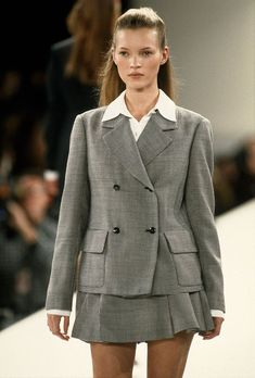 "midnight-charm: ""Kate Moss at Isaac Mizrahi Spring / Summer 1994 "" Fashion Week, Runway Fashion, Fashion Models, High Fashion, Fashion Trends, Latest Fashion, 90210 Fashion, Moss Fashion, Milan Fashion"